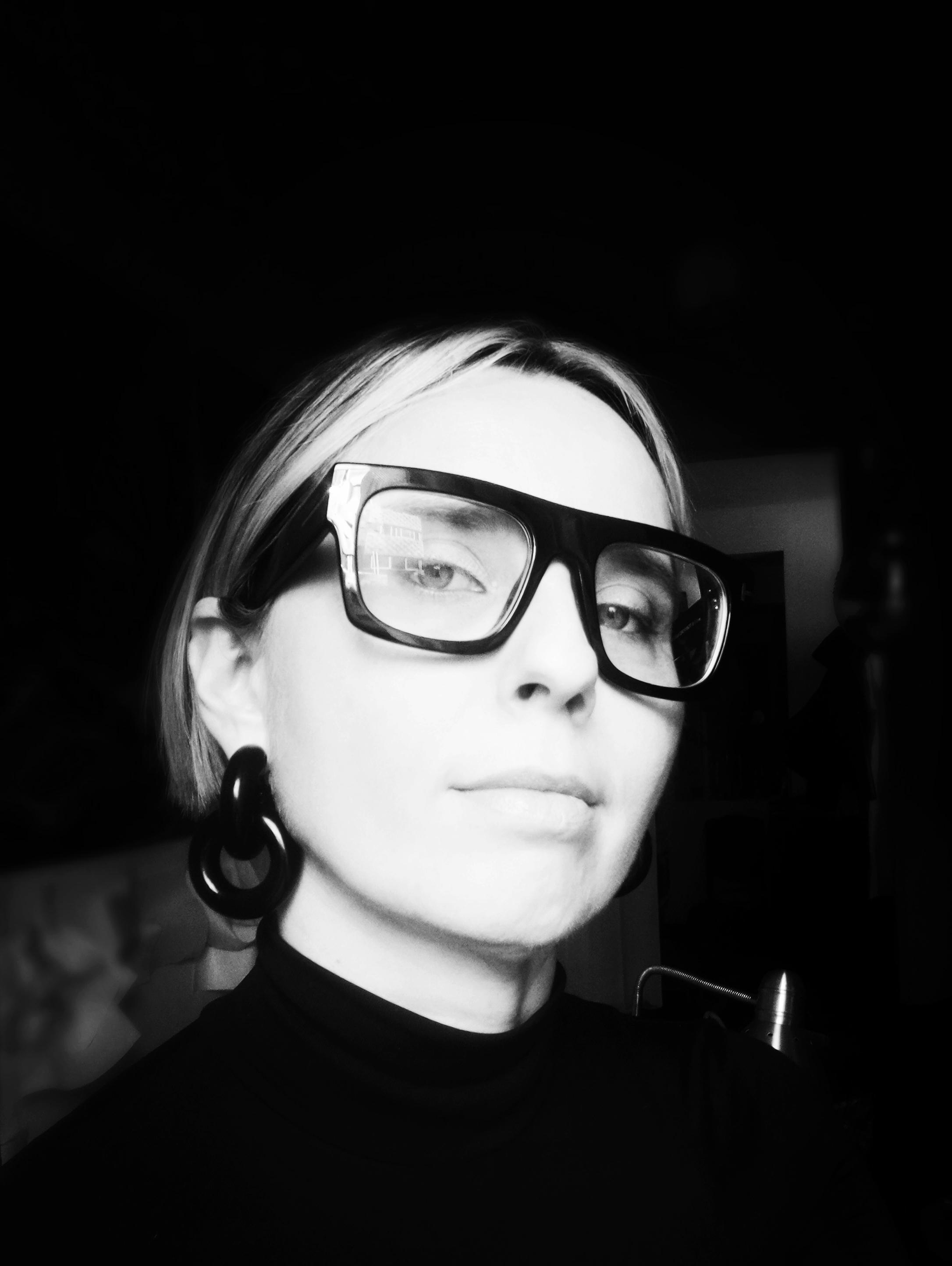 Eva Iszoro blanco y negro 2.1